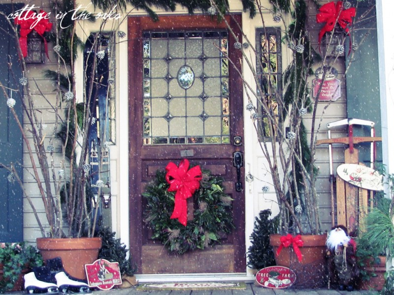eco friendly front porch - Outdoor Porch Christmas Decorations