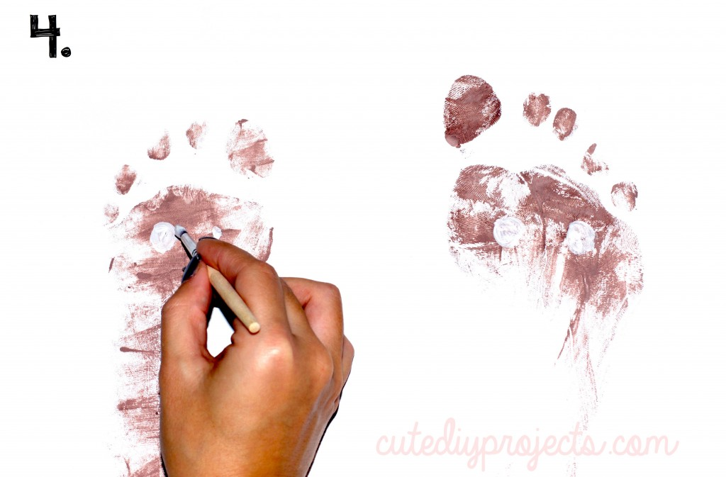 04 Creative Reindeer Footprint Craft