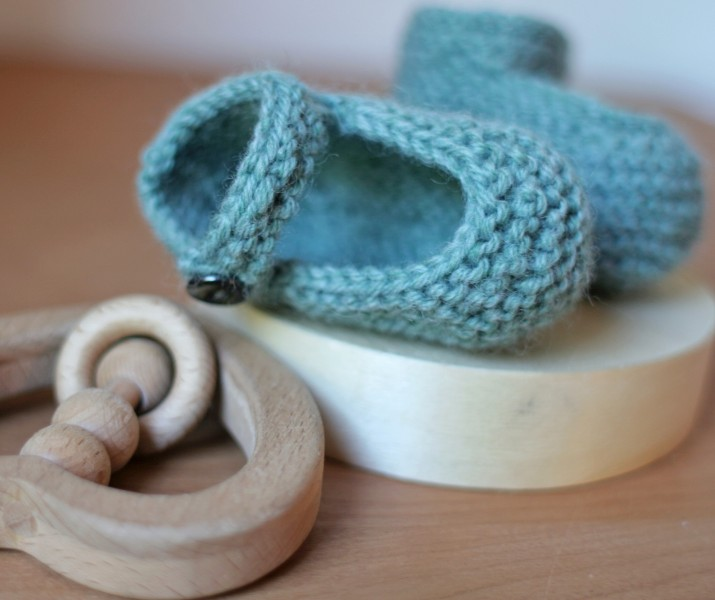 Knitting Patterns For Baby Booties Beginner : How to Knit - 45 Free and Easy Knitting Patterns   Cute DIY Projects