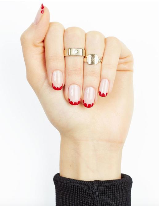 hot Scalloped Nails