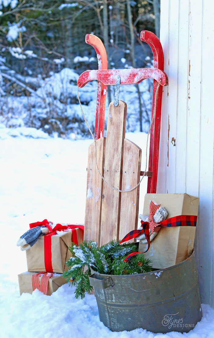 DIY  10 Vintage Sled. 25  Easy to Make DIY Vintage Decor Ideas   Cute DIY Projects