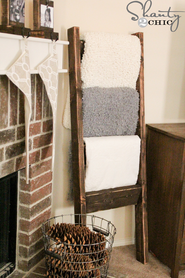 Awesome DIY Wooden Blanket Ladder