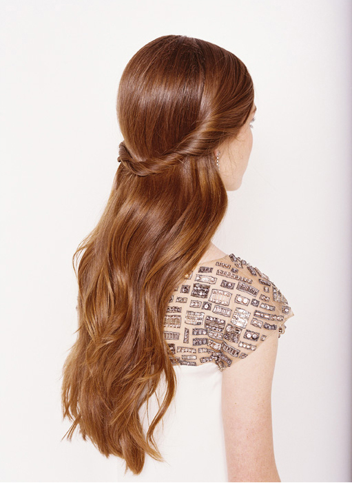 Half Up Half Down Wedding Hairstyle. Beautiful Flowy Hair ...
