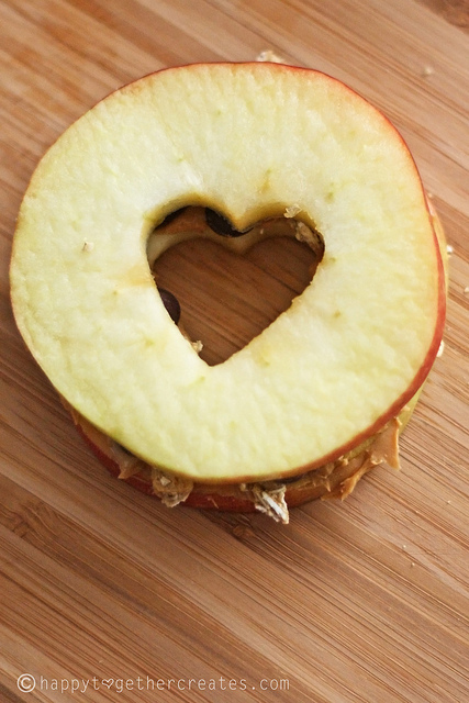 Hearts in apple sandwich