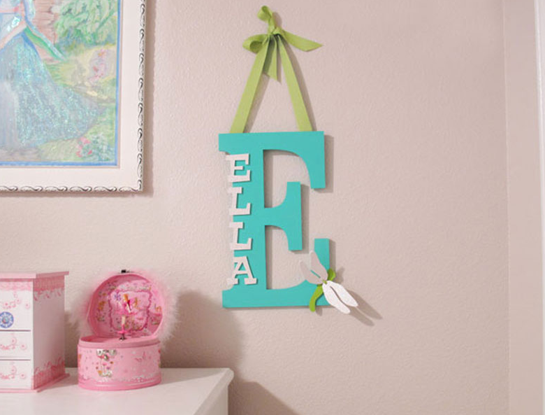 this whimsical monogram for your kid s room instructions craftcuts