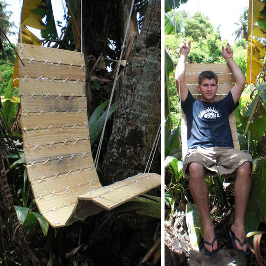Swinging Pallets Chair For The Great Outdoors