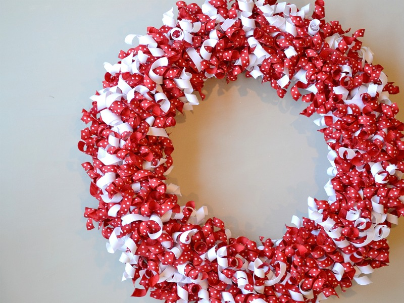 14 Valentine S Day Wreath Using Curled Grosgrain Ribbon