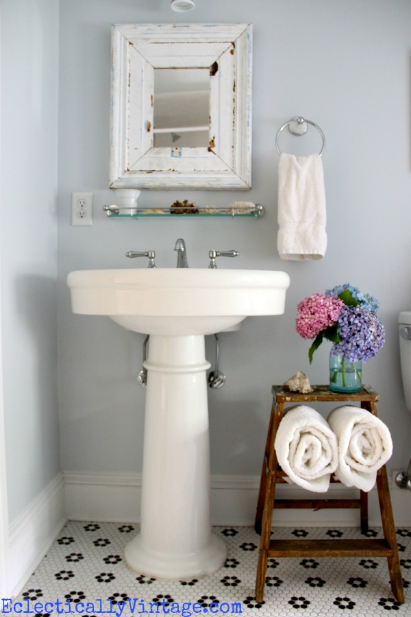 30 diy storage ideas to organize your bathroom page 2 for Bathroom designs diy
