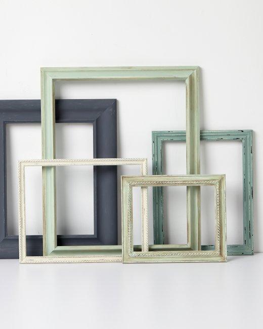 http://www.marthastewart.com/1082309/vintage-frames?crlt.pid=camp.9ralOauFI5AS
