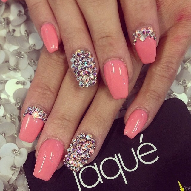 17. Chunky Rhinestone Look - 30+ Awesome Acrylic Nail Designs You'll Want In 2016