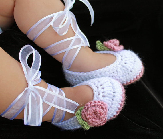 Comprehensive Tutorial On How To Crochet The Booties From Scratch