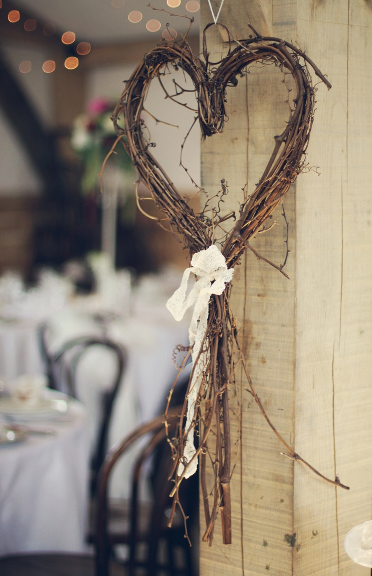 Rustic-Heart-Wreath-Decoration-For-Your-Traditional-Wedding