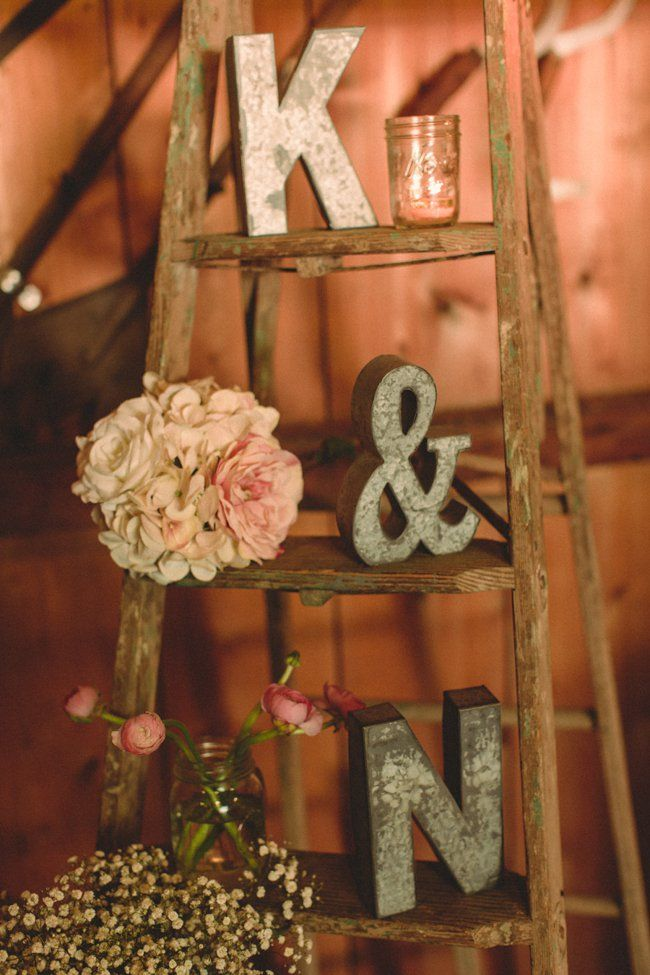 Shine on your wedding day with these breath taking rustic for Vintage wedding decorations