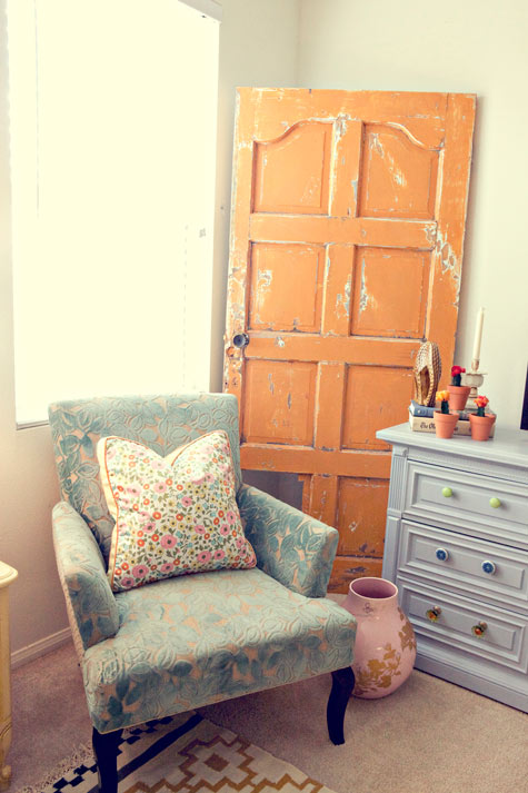 Add An Old Door In One Of Your Living Room's Corners