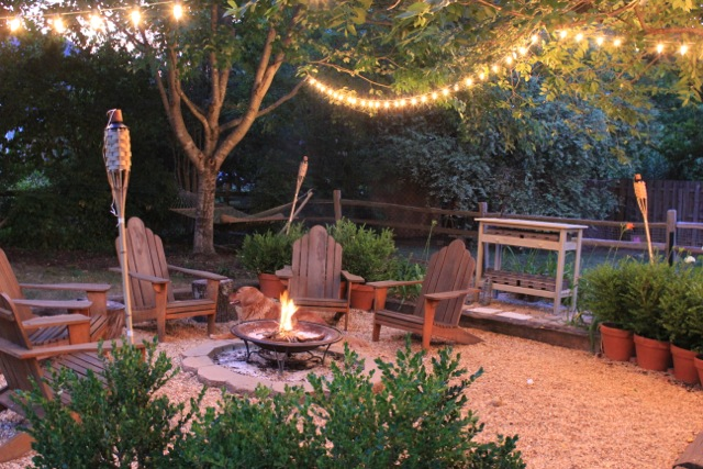 40 outstanding diy backyard ideas for Yard decorating ideas on a budget