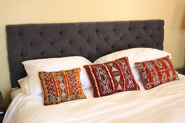 button tufted headboard - Diy Backboard Bed