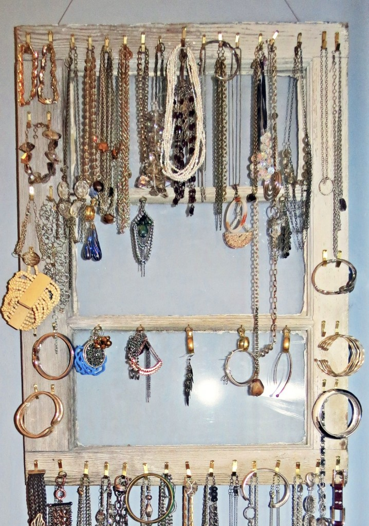 Cheap And Practical Jewellery Organizer