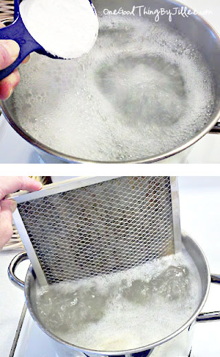 Clean The Greasy Stove Hood With Baking Soda