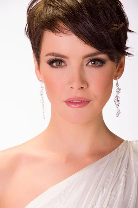 Age Gracefully And Beautifully With These Lovely Short Haircuts For Older Wom