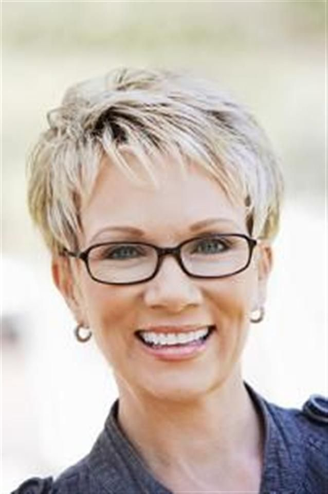 Short hair styles for the mature woman