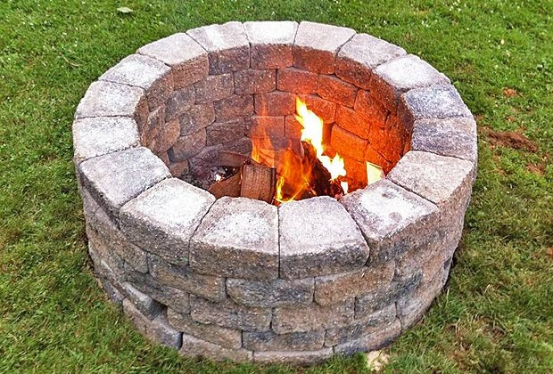Basic DIY Fire Pit For Your Garden