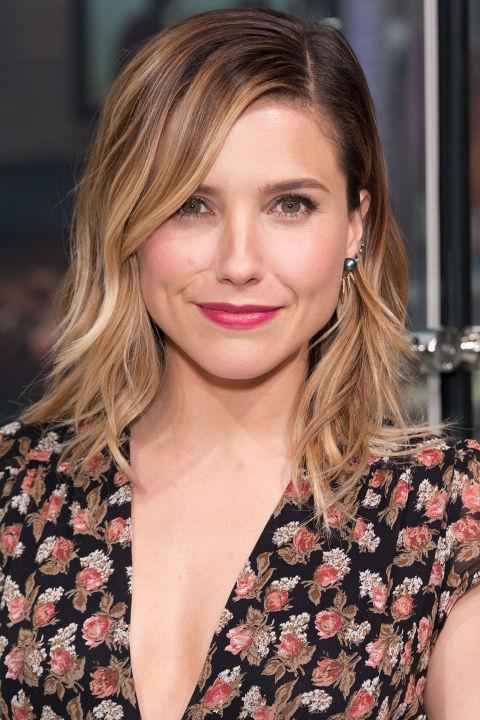 13+ Modern Medium Hairstyles For A Clean-Cut Hollywood Look ...