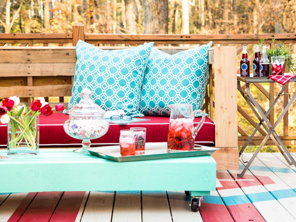 Stylish Outdoor Pallet Seating For Your Furniture