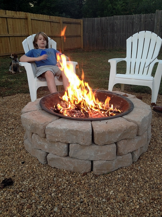 Stay warm and cozy with these 35 diy fire pit tutorials for Easy diy fire pit with grill