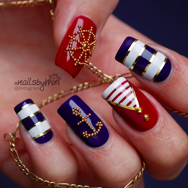 Gold Sequined Nail Art: - 20+ Amazing Patriotic Nail Designs For The 4th Of July – Cute DIY