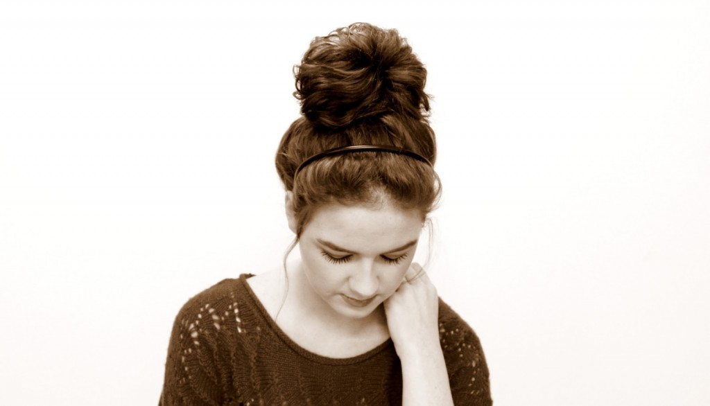 Top 25 Messy Hair Bun Tutorials Perfect For Those Lazy Mornings Page 2 Of 2 Cute Diy Projects