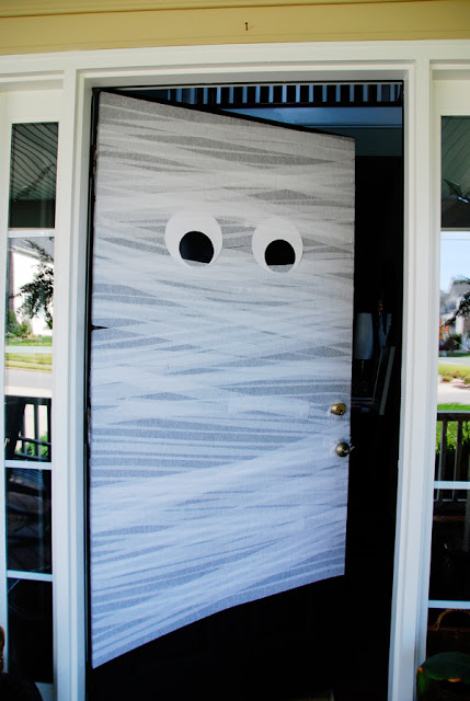 diy halloween front door mummy - Do It Yourself Halloween Decorations