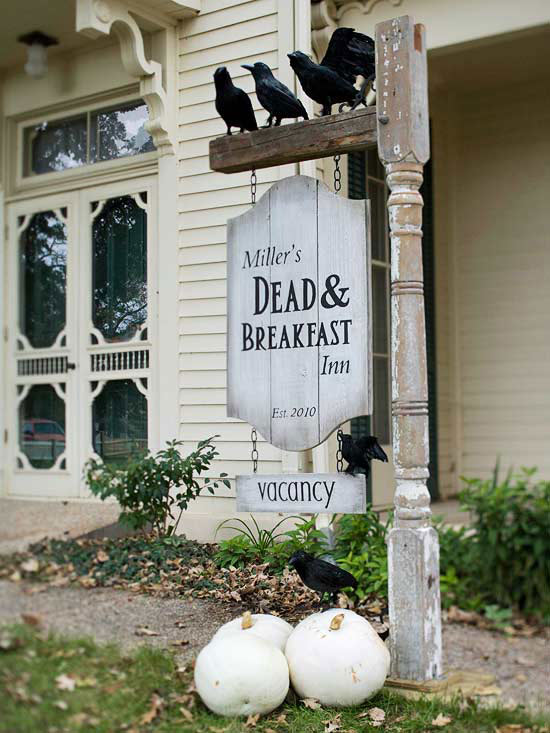 Dead And Breakfast Inn Sign For Halloween - 50 Easy DIY Outdoor Halloween Decoration Ideas For 2017