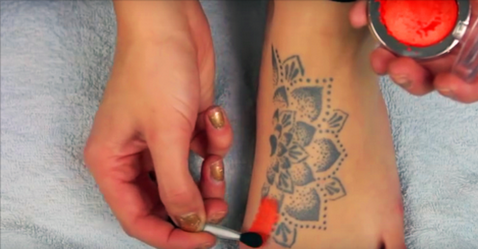 Here\'s A Technique To Magically Cover-up Your Tattoos With Drugstore ...