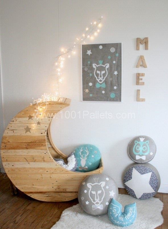 Moon Cradle Made Out Of Pallets