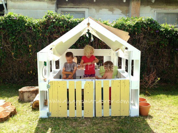 Pallet Kids Playhouse Part 5