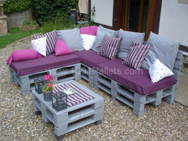 garden furniture made from crates