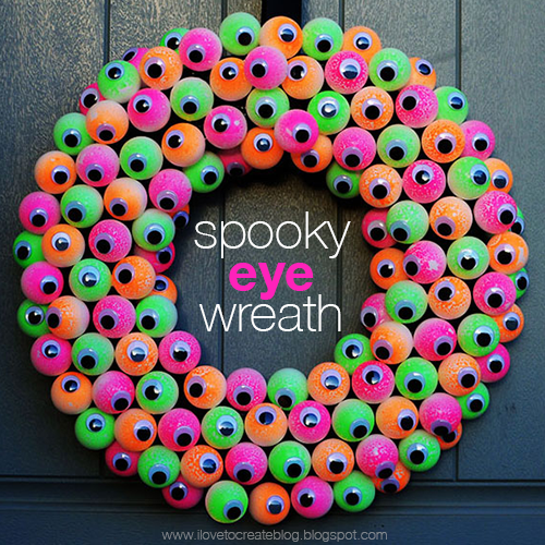 12 spooky eyeball wreath - Homemade Halloween Centerpieces