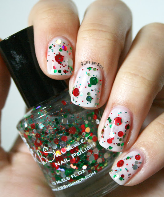 Sequined Glittery Christmas Nails