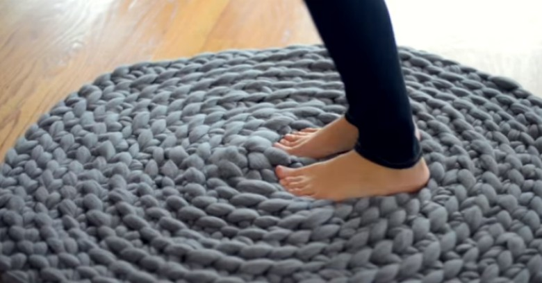 How To Crochet A Giant Circular Rug No Sew Cute Diy Projects