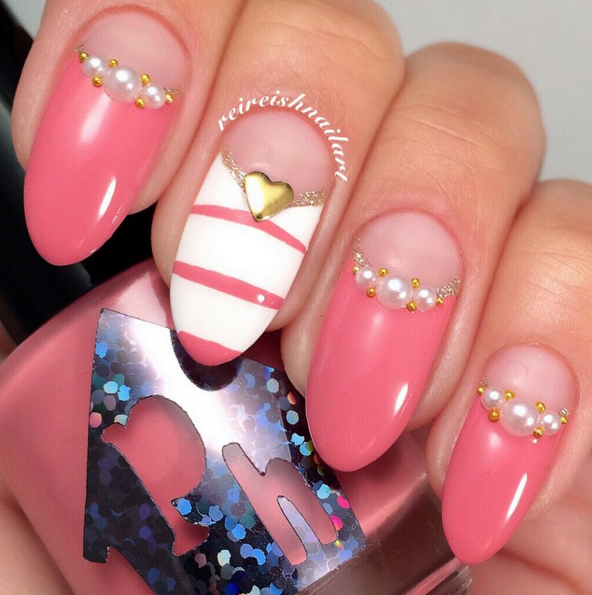 Pearls and Studs Nail Mani