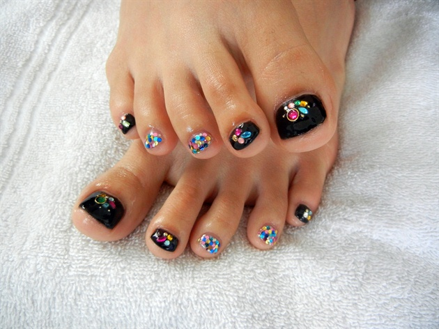 Toe Nail Designs Ideas dark blue pedi with crystals Glitter Mix Toe Nails