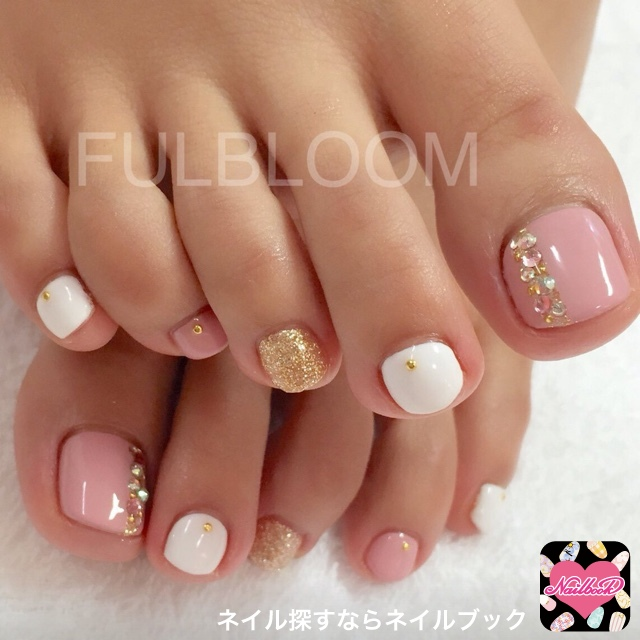Pastel Nails With Glitter Decor - 44 Easy And Cute Toenail Designs For Summer – Page 2 Of 5 – Cute