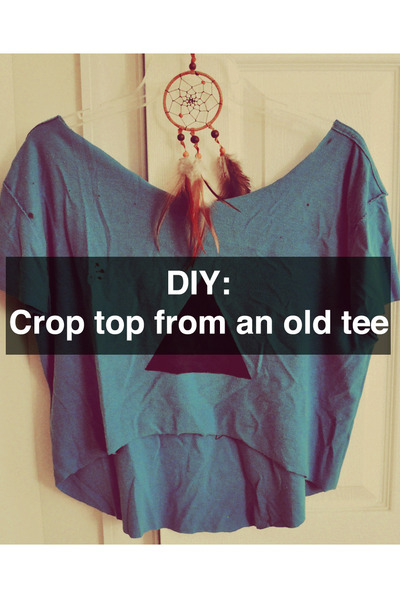 DIY Crop Top From an Old Tee