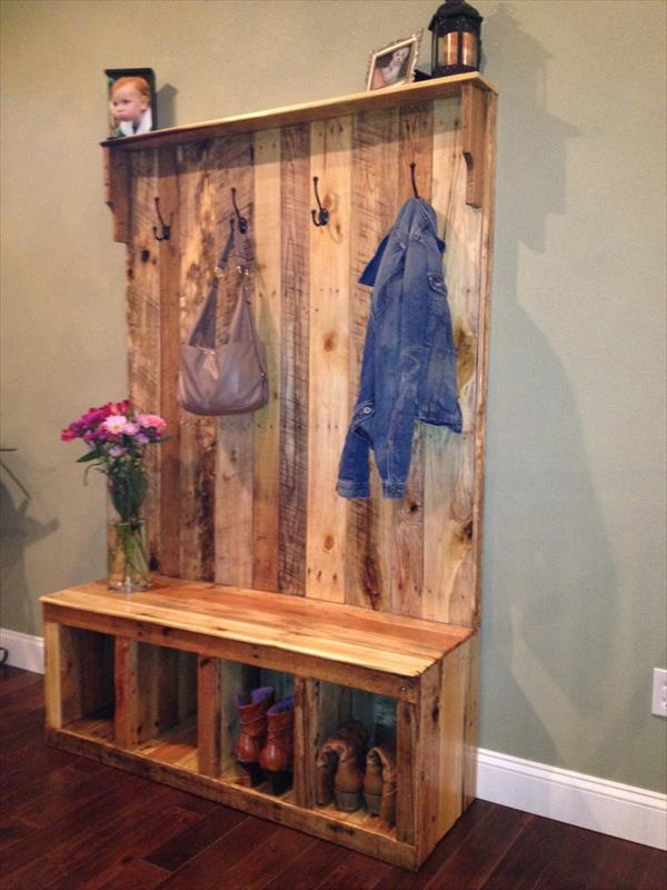 Pallet Entryway Bench – Storage Bench