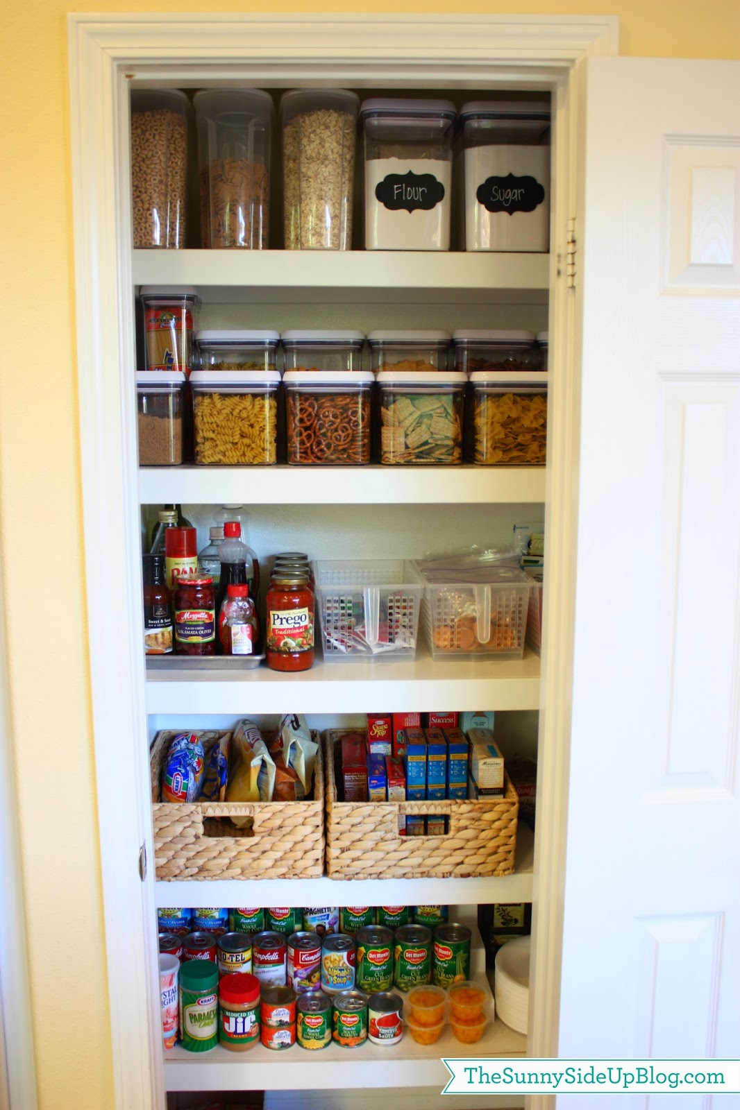 29 pantry organization ideas for your kitchen to get for Pantry ideas for a small kitchen