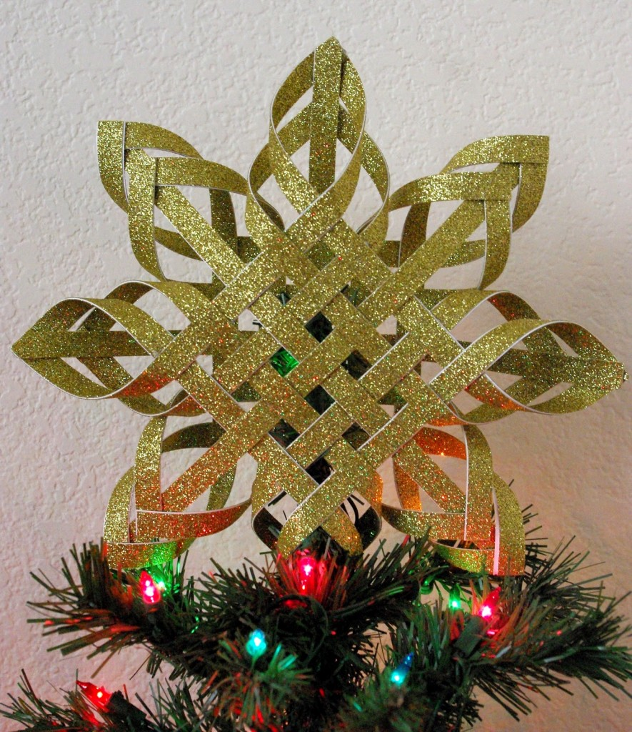 Make A Supercool Tree Topper Out Of Nothing But Paper And Glue
