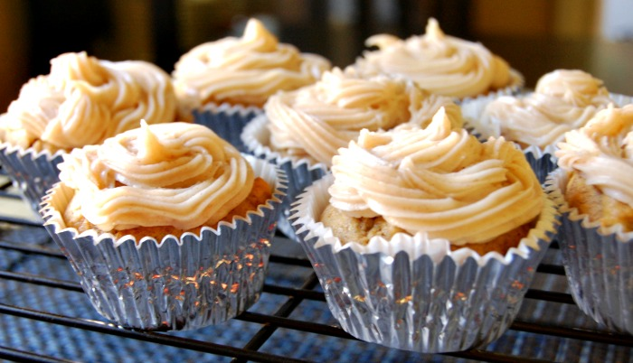 19. Pumpkin Cupcakes with Maple Cream Cheese Frosting