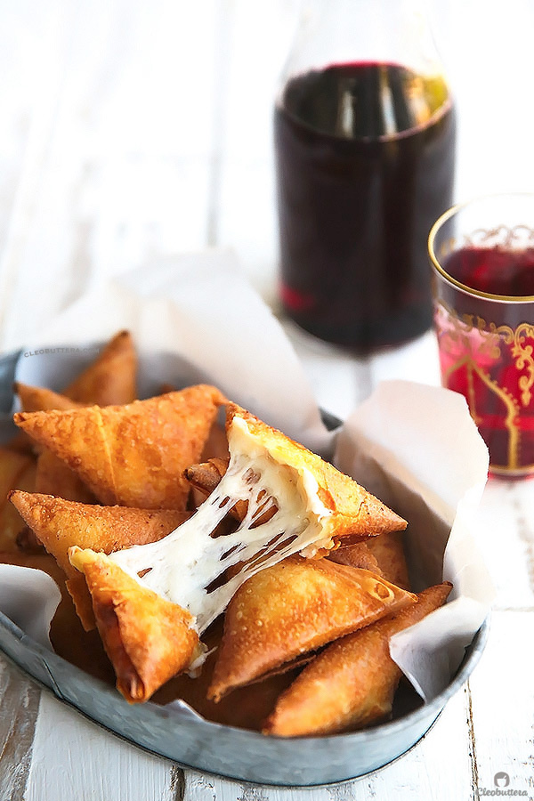 Cheese Lover's Samosas Samboosak