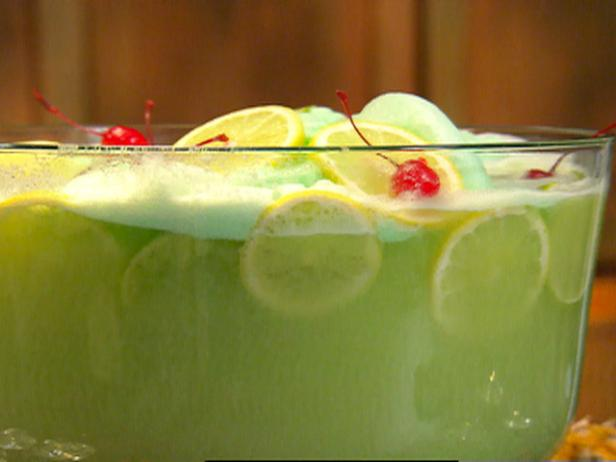 20 Christmas Punch Ideas Refreshing The Guests With ...