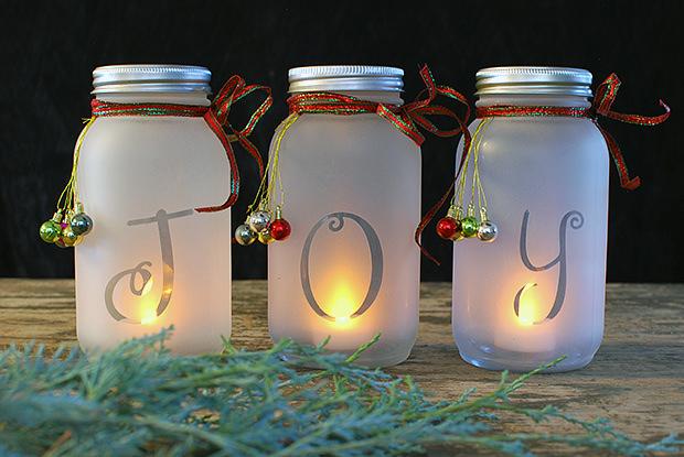 Mason Jar Holiday Luminaria